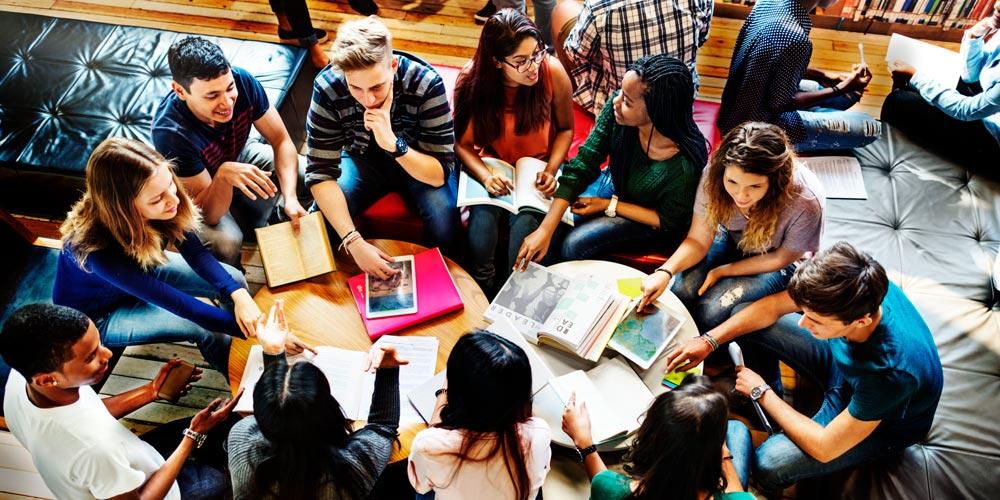 Laboratorio di formazione - Labirinti e spazi dedalici: la riflessività nella pratica educativa